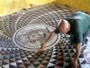 Lavorazione pavimento a mosaico